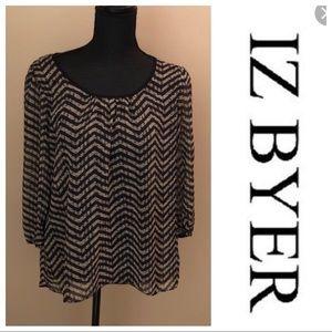 IZ Byer Black and White Zig Zag Shirt Size Large